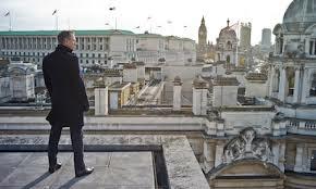 ΠΡΟΦΗΤΙΚΟΣ Ο ΤΖΕΗΜΣ ΜΠΟΝΤ (SKYFALL) :Η ταινία ξεκινάει από την Κωνσταντινούπολη, τυχαία; Ο καλός Τζέημς κυνηγάει έναν κακό που έχει ελληνικό όνομα. Ονομάζεται: Πατρίς. Δηλαδή Πατρίδα...