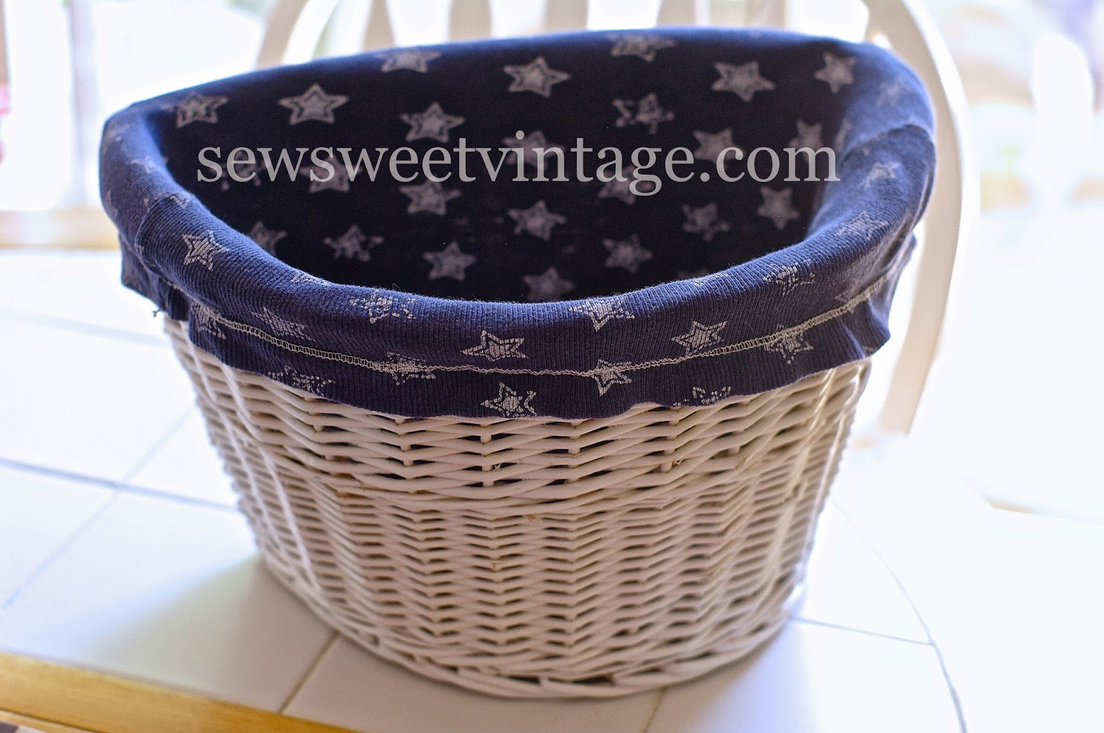 diy bike basket liner made using a recycled tank top