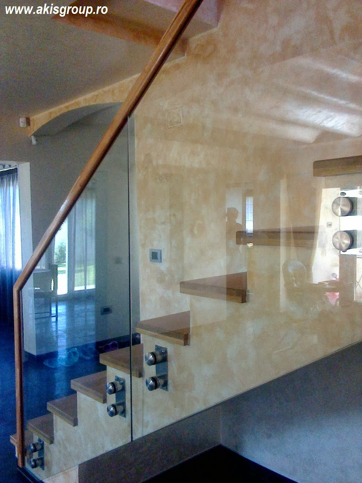 gel nder aus schmiedeeisen edelstahl glas gel nder holz. Black Bedroom Furniture Sets. Home Design Ideas