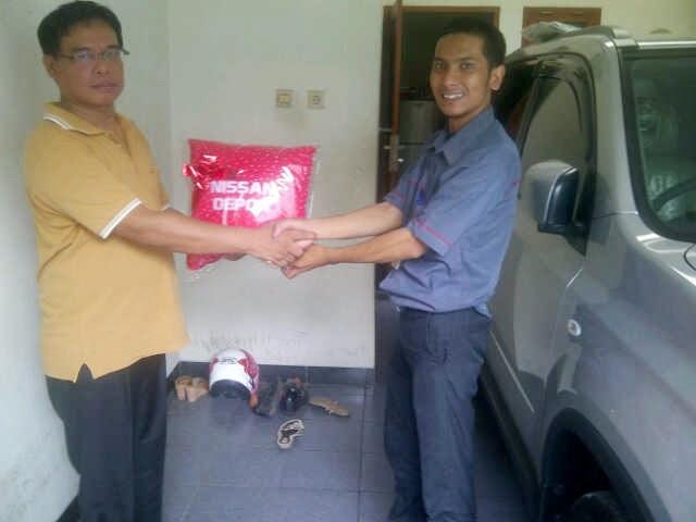 Terimakasih atas kepercayaan Pak Ismail yang telah membeli Nissan X-Trail melalui media www.touchnissan.com.  Semoga Berkah ya Pak ...