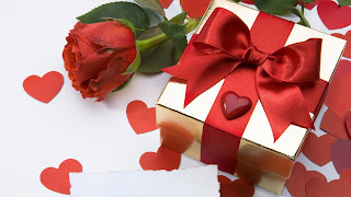 Love Gift Image With Flower HD