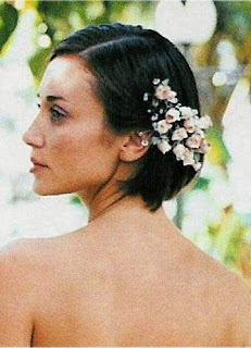 Beautiful  Wedding Hair Flower Pictures