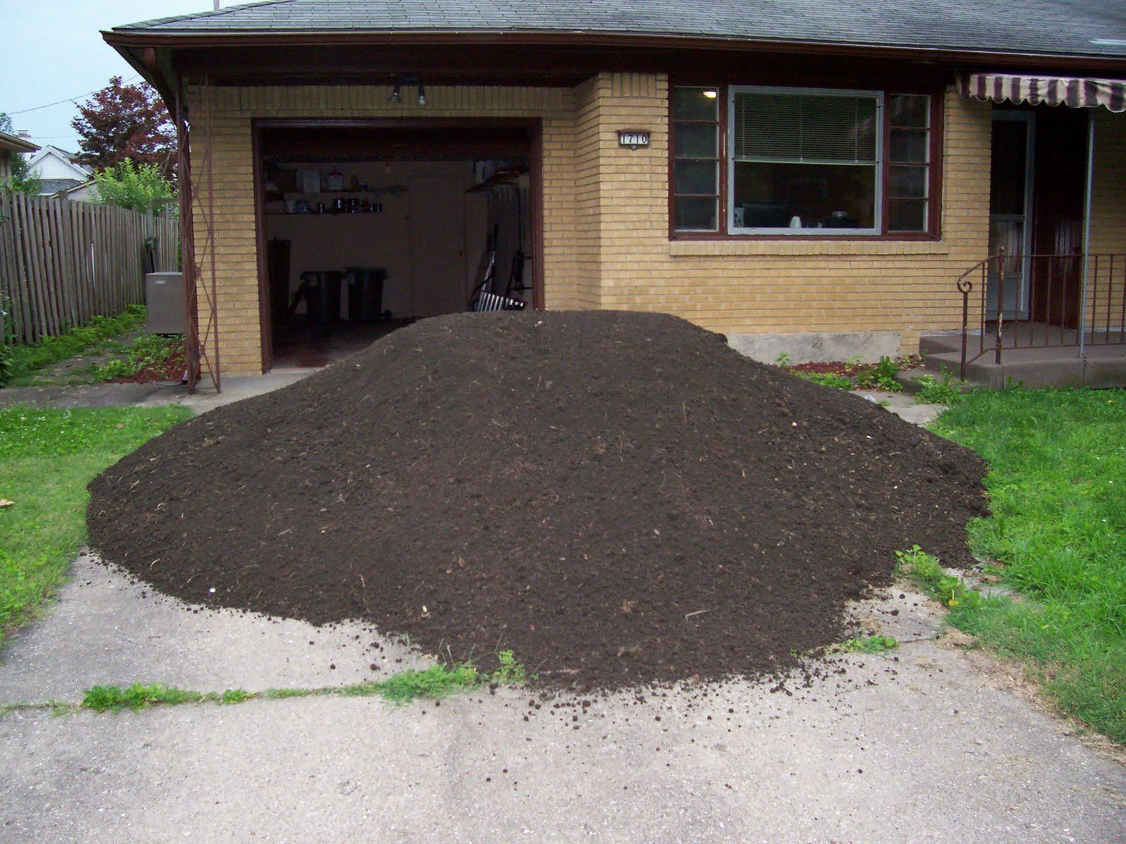 10 Tons Of Dirt : Yard of topsoil bing images
