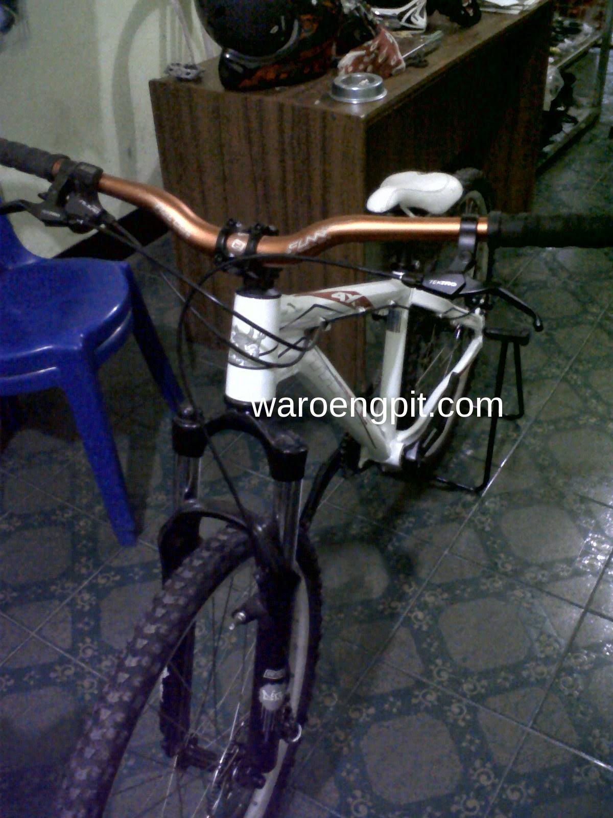 Sepeda Gunung Rakitan merek Thrill 4x 2012 Bekas-2