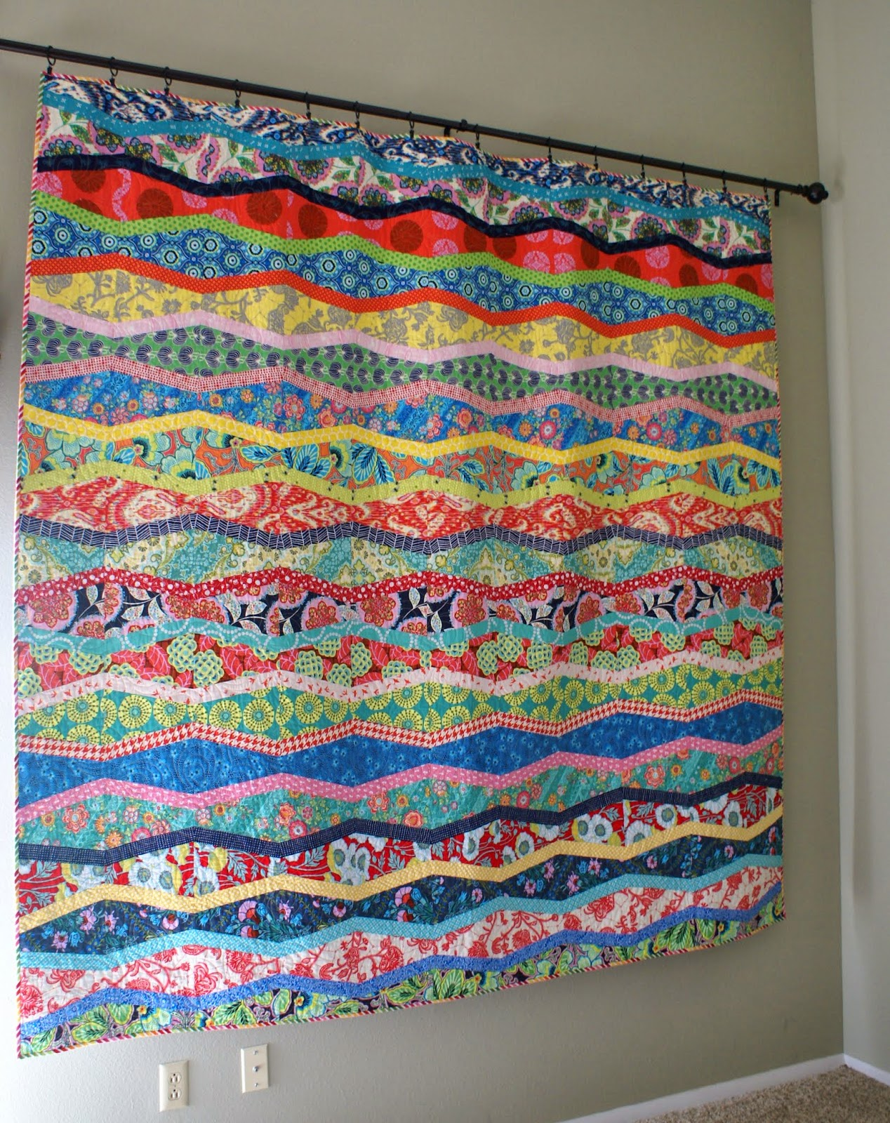 Quilt Patterns Using Large Scale Prints : Dresden Lane: New Wave Quilt Finish