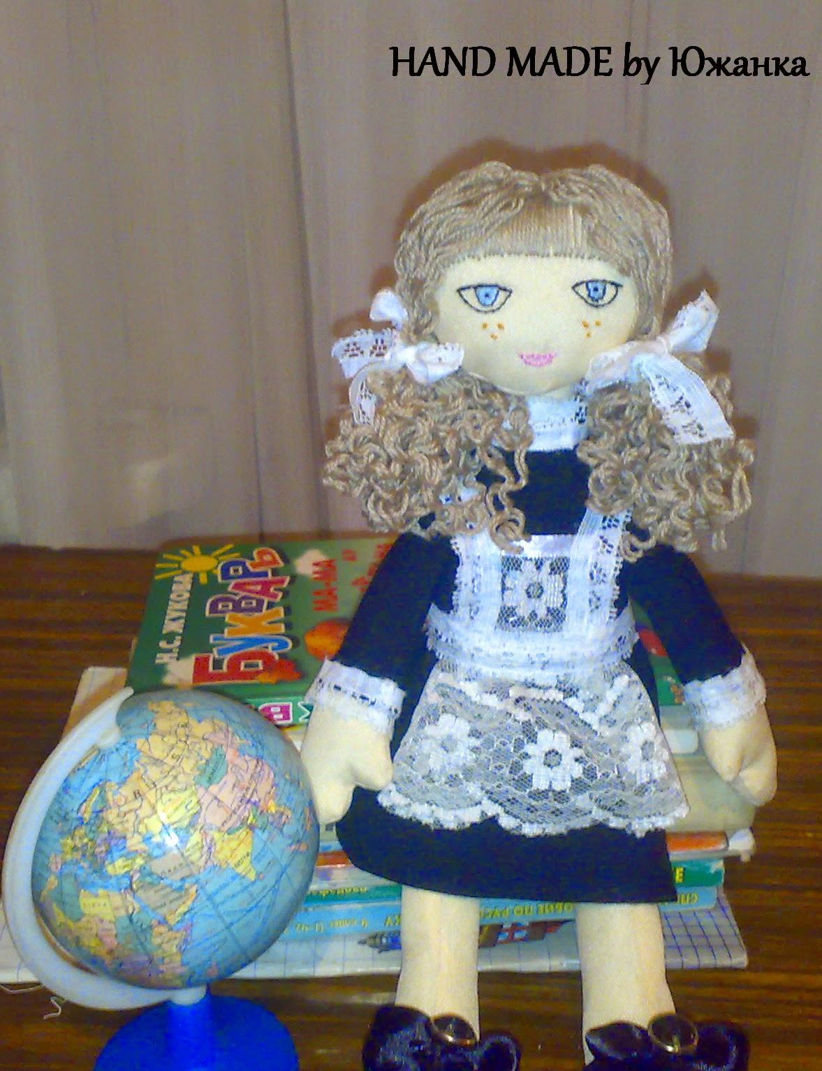 Текстильная кукла школьница первоклассница