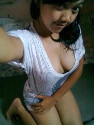 Mahasiswi Montok Banget Pose Bugil