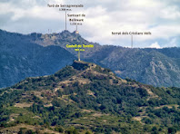 El Castell de Torelló i el Santuari de Bellmunt des de la cinglera per sobre la Resclosa de Can Casarramona