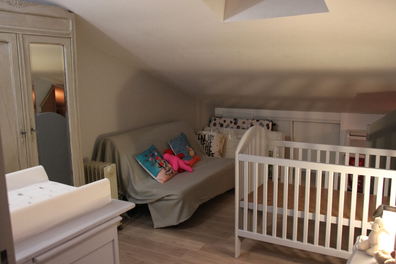 Vers le moins et le mieux la pr paration de la chambre de b b - Quand preparer la chambre de bebe ...