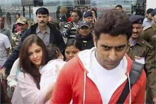 Aaradhya, Aishwarya & Abhishek arrive in Bhopal airport