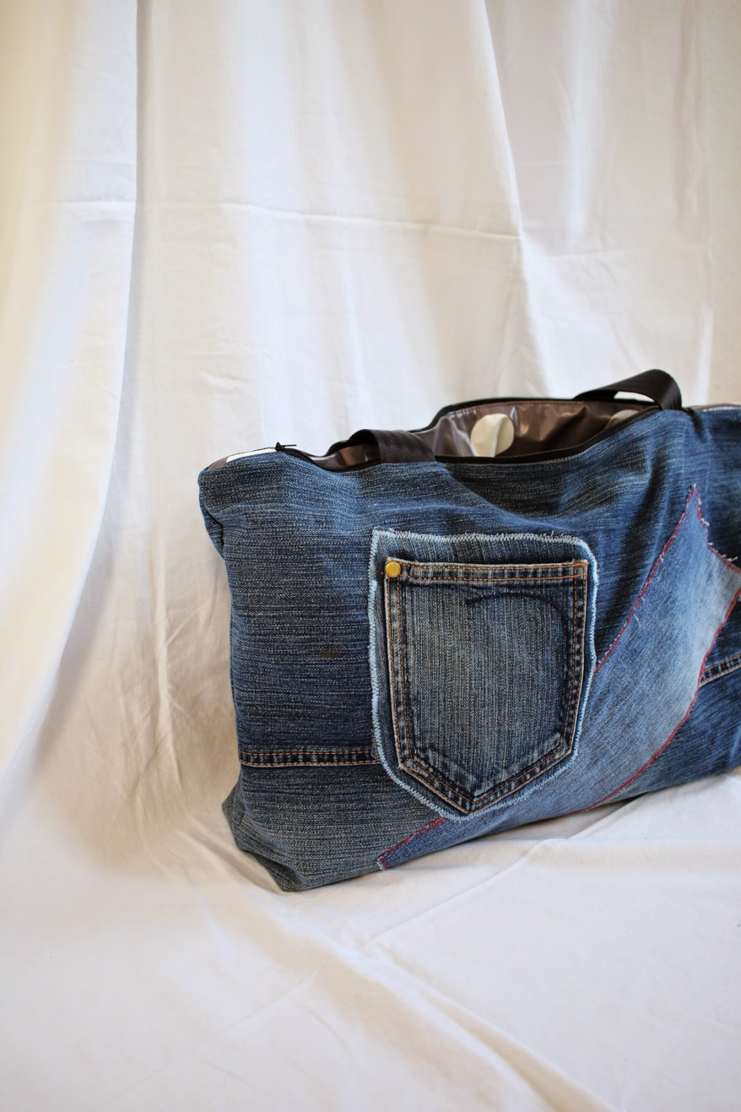 Swimming bag made from pair of jeans / Schwimmtasche aus alter Jeans und Wachstuchrest / Upcycling