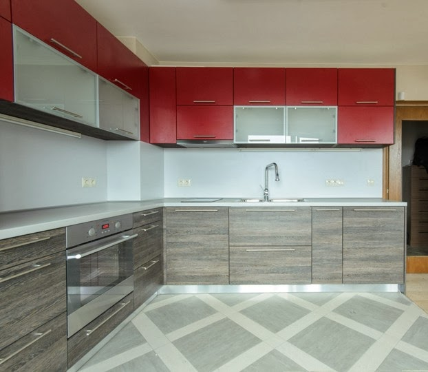 Кухня ПДЧ 2.50x2.80 червен мат и венге 1