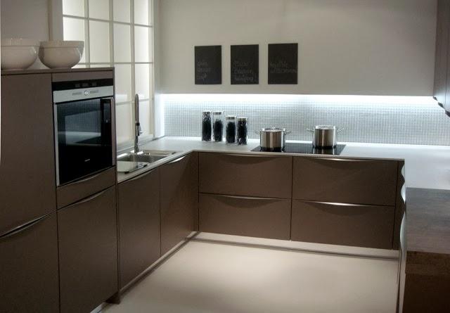 Tirador curvo semioculto td01 tu cocina y ba o for Precios de articulos de cocina