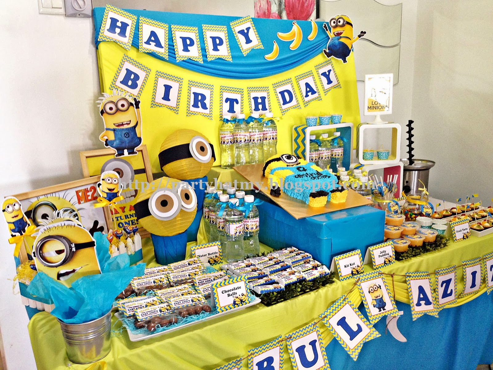 party hat minions 1st birthday party. Black Bedroom Furniture Sets. Home Design Ideas