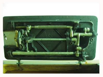 Mesin jahit MEJABUTTERFLY dengan Serial Number : 109501.