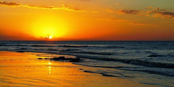 شروق الشمس مع البحر