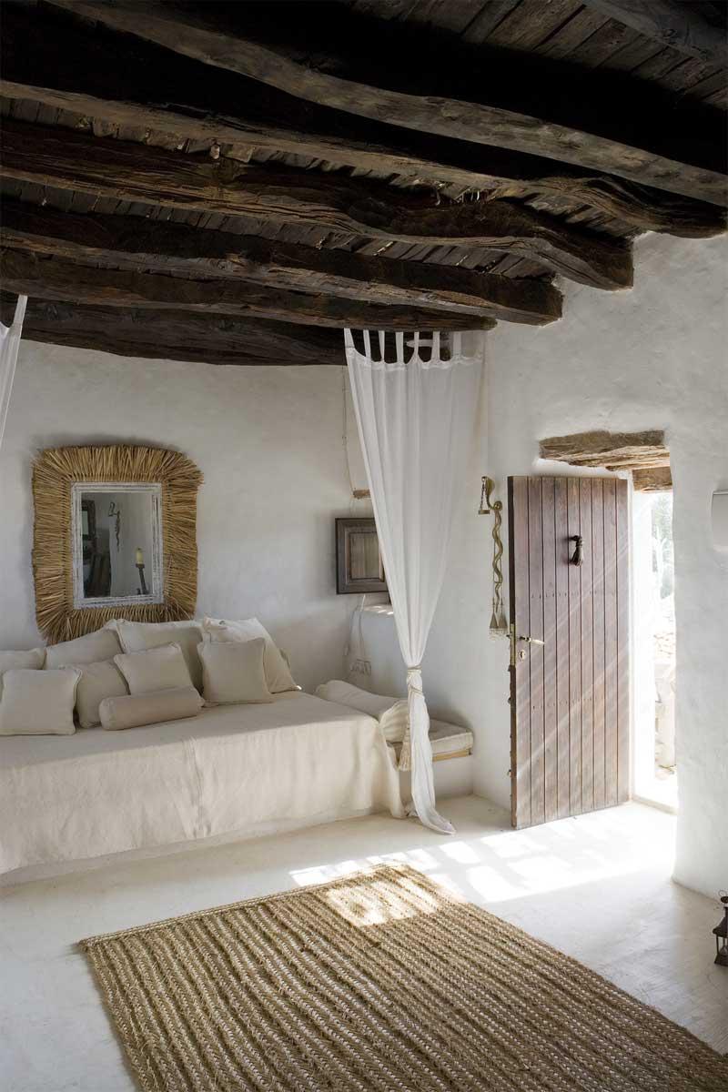 Una casa rustica en formentera rustic house in formentera for Minimalist rustic house