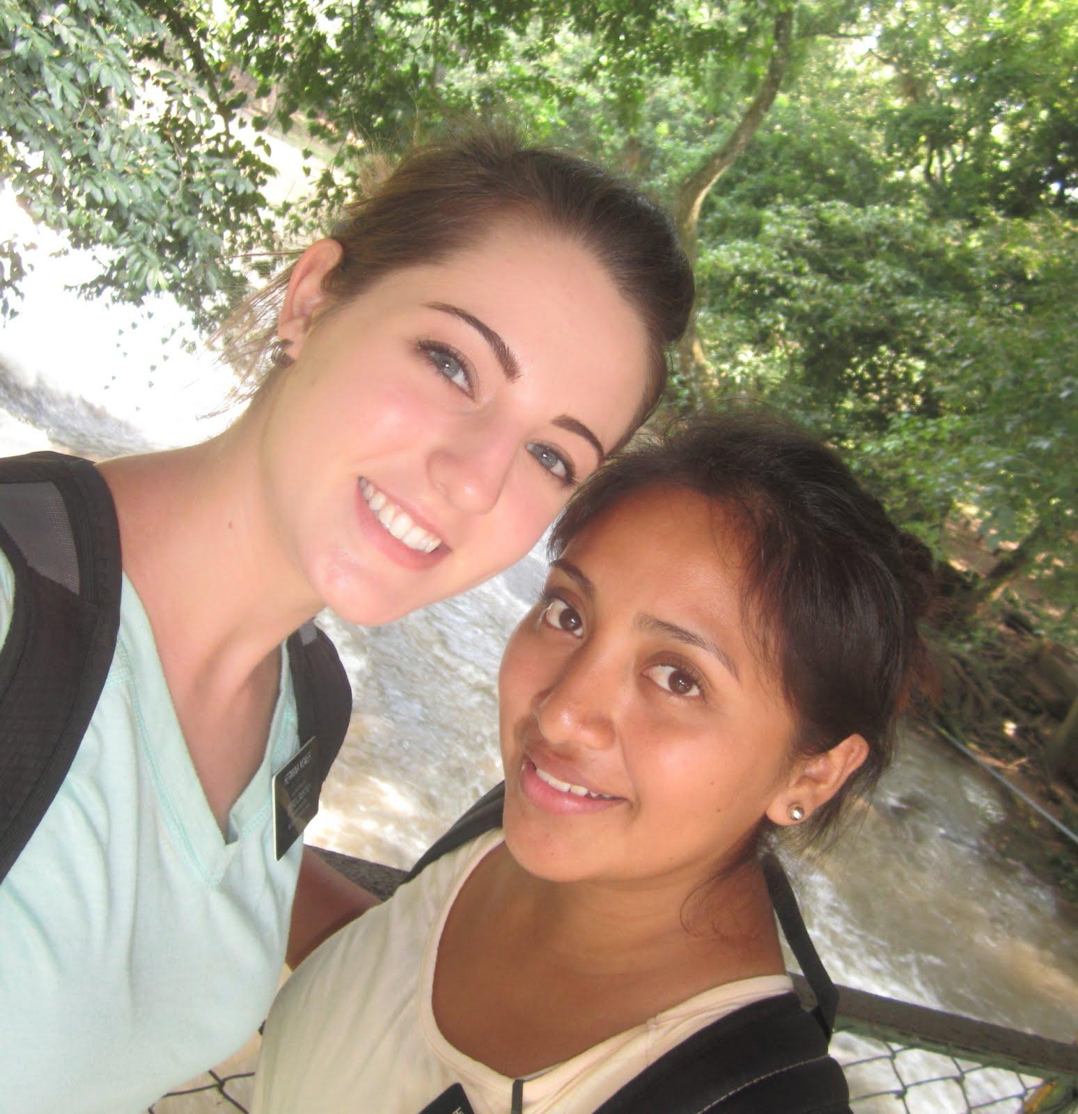 Hna Mower & Hna Escobar - Cataratas de Pulhapanzak