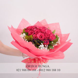 toko bunga dijakarta, bouquet bunga mawar besar, handbouquet mawar besar, bouquet bunga wisuda, bouquet bunga wisuda, bouquet bunga mawar merah