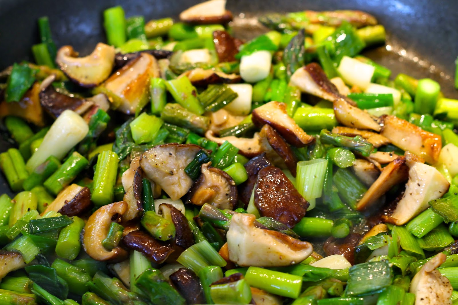 Saffron & Sun: Frittata with Asparagus, Scallions, Shiitaki Mushrooms ...