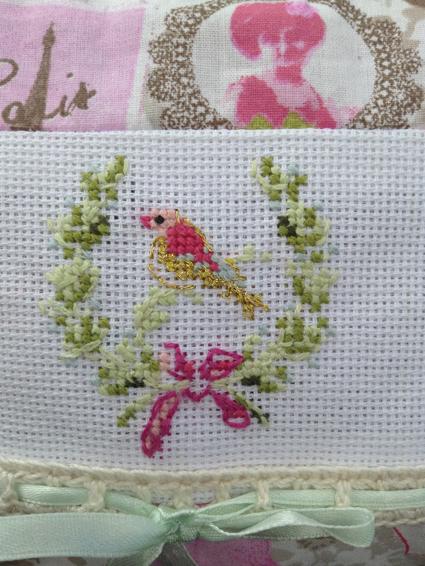trousse en coton avec broderie oiseau