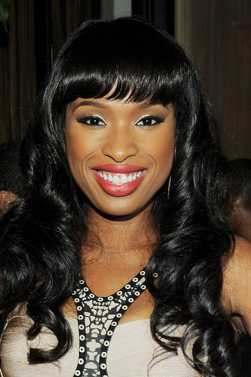 Long Hairstyles for African American Women with Round Faces