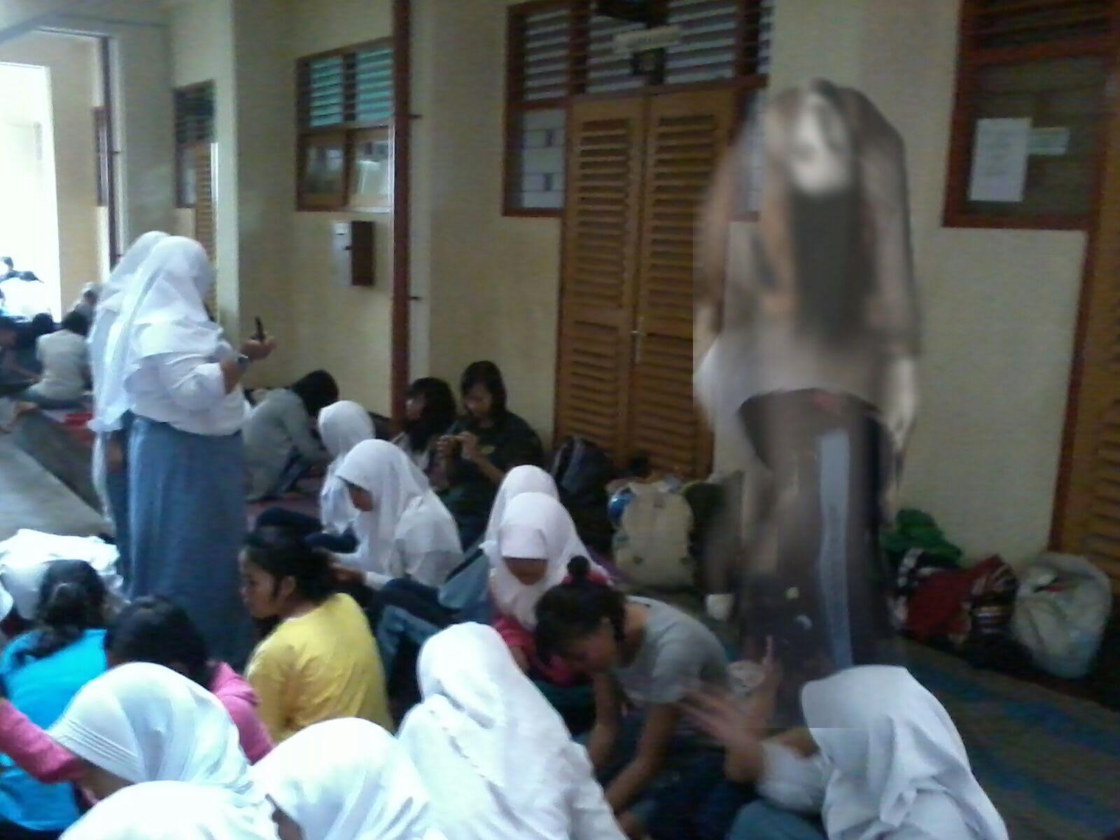 Penampakan Hantu Di Sekolahan (Percaya Gak Percaya)