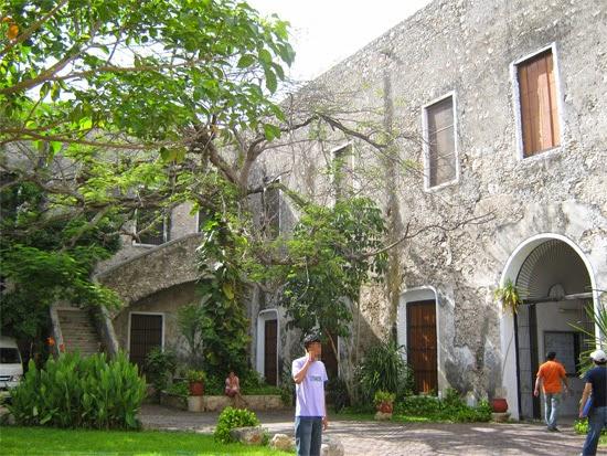 Celebran el d a nacional del arquitecto en la uady for Decano dela facultad de arquitectura