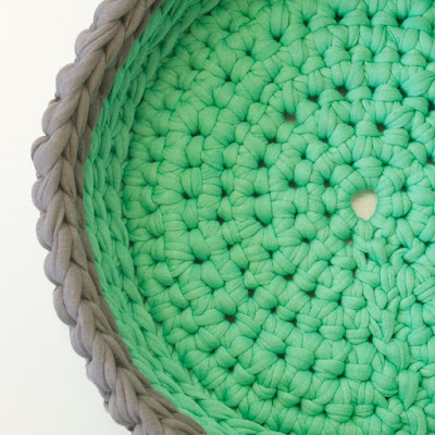 Green Grey Crochet bowl 04 by welaughindoors