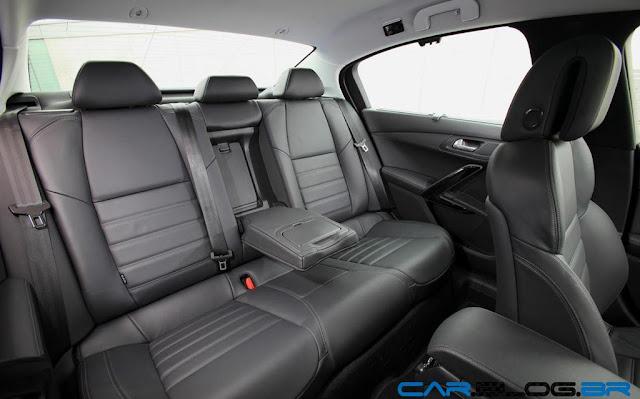 Novo Peugeot 508 2013 - por dentro