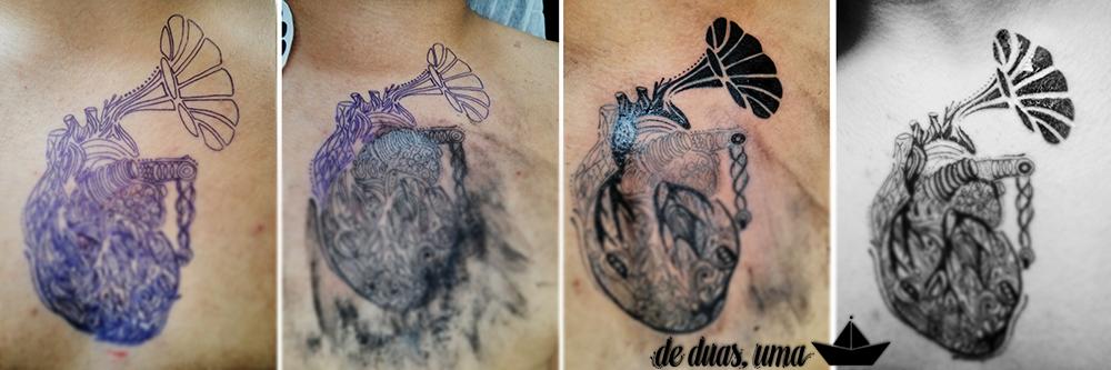 tatuagem de coração de duas, uma