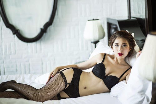 Lan Huong with hot lingerie