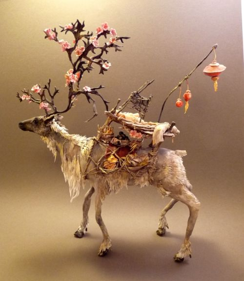 Ellen Jewett CreaturesFromEl deviantart esculturas surreais mixed animais Sakura