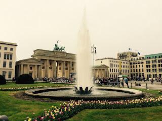 Berlin, Luisenplatz, Brandenburger Tor, Brunnen