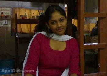 Desi Bangladeshi Girls In Bra and Sexy Dress2