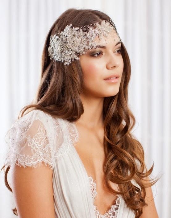 Peinados de novia con el pelo suelto 2018 Fotos de los looks (Foto  - peinados novia pelo suelto liso