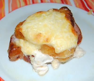 gratin de kassler à l'ananas, tomate, fromage blanc moutarde estragon, fromage fondu