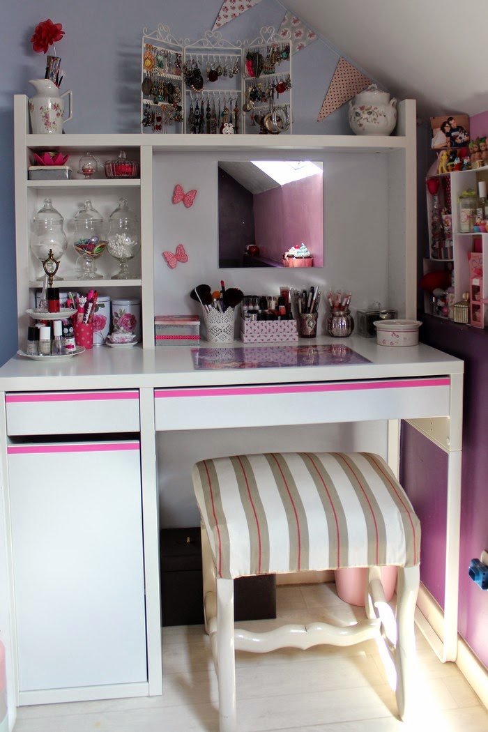 marie paillette diy mon nouveau coin de fille coiffeuse et vernith que. Black Bedroom Furniture Sets. Home Design Ideas