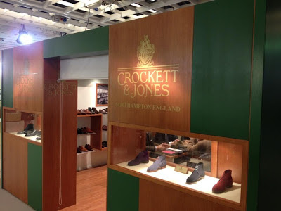Entrada al stand de Crockett & Jones en Pitti Uomo 83