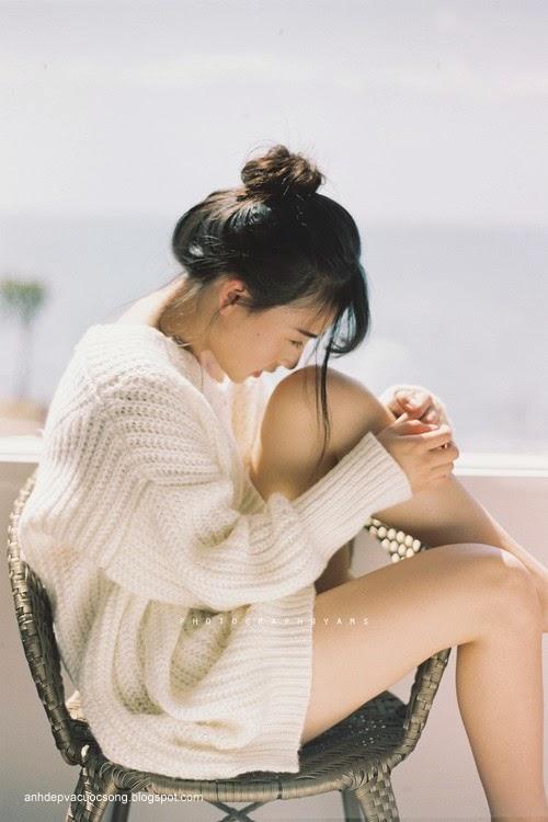 Thiếu nữ xinh đẹp đón ánh nắng ban mai 9