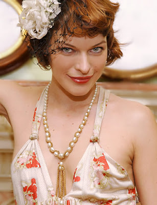 Milla Jovovich Actress HQ Wallpaper-800x600