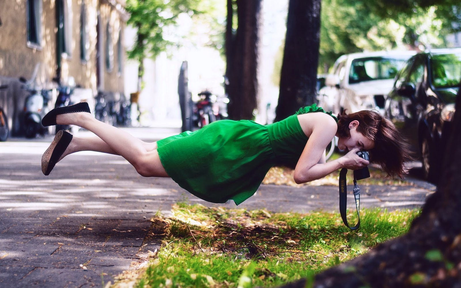 April Fools Day Girl Stree Cameras Gravitation Photos Download