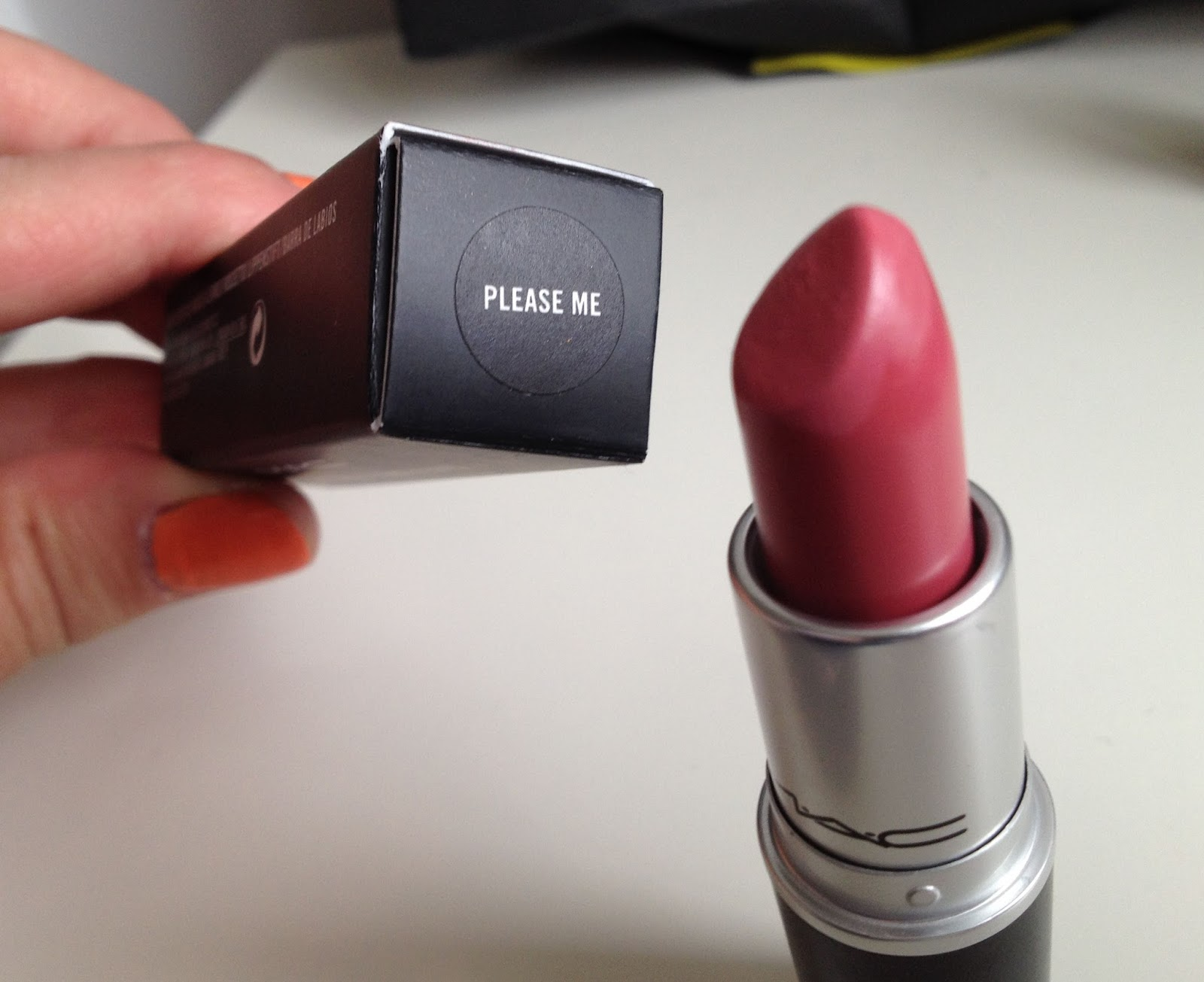 Top My Beautopia: MAC Monday: MAC Please Me matte lipstick LS06