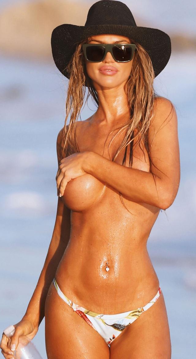 Charlie Riina en topless