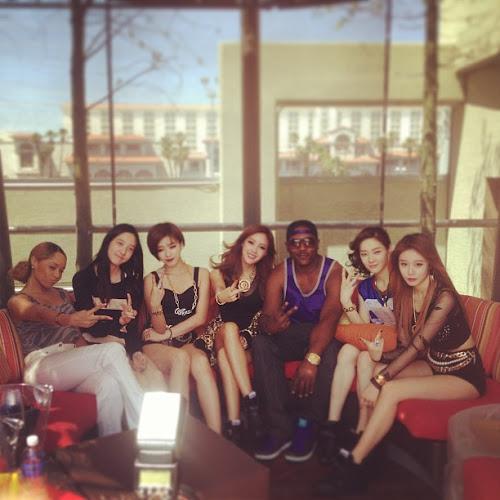 Foto T-ara N4 Bersama Rapper Terkenal Amerika di Las Vegas