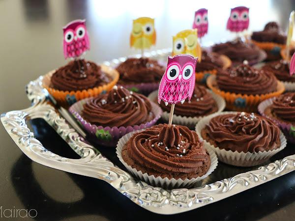 Schokoladensünde in Form eines Cupcakes
