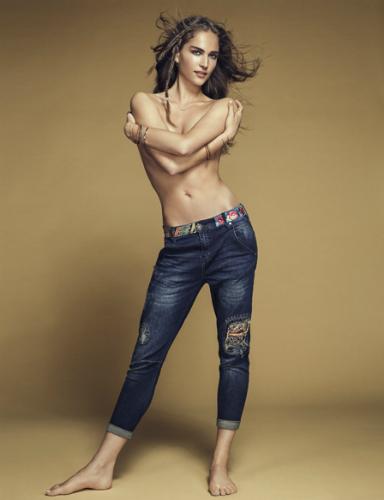 Exotic jeans de Desigual colección denim diferente