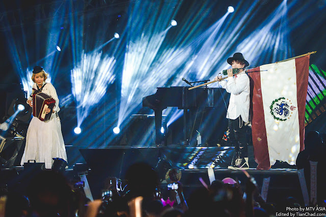 Saori and Fukase of SEKAI NO OWARI performing at MTV World Stage Malaysia on 12 Sep Pic 2  (Credit -  MTV Asia & Alec Wong)