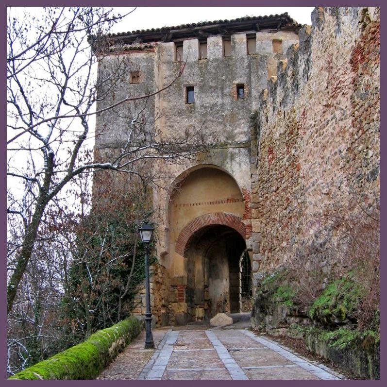 Museo de t teres de francisco peralta en segovia taringa - Puerta de segovia ...