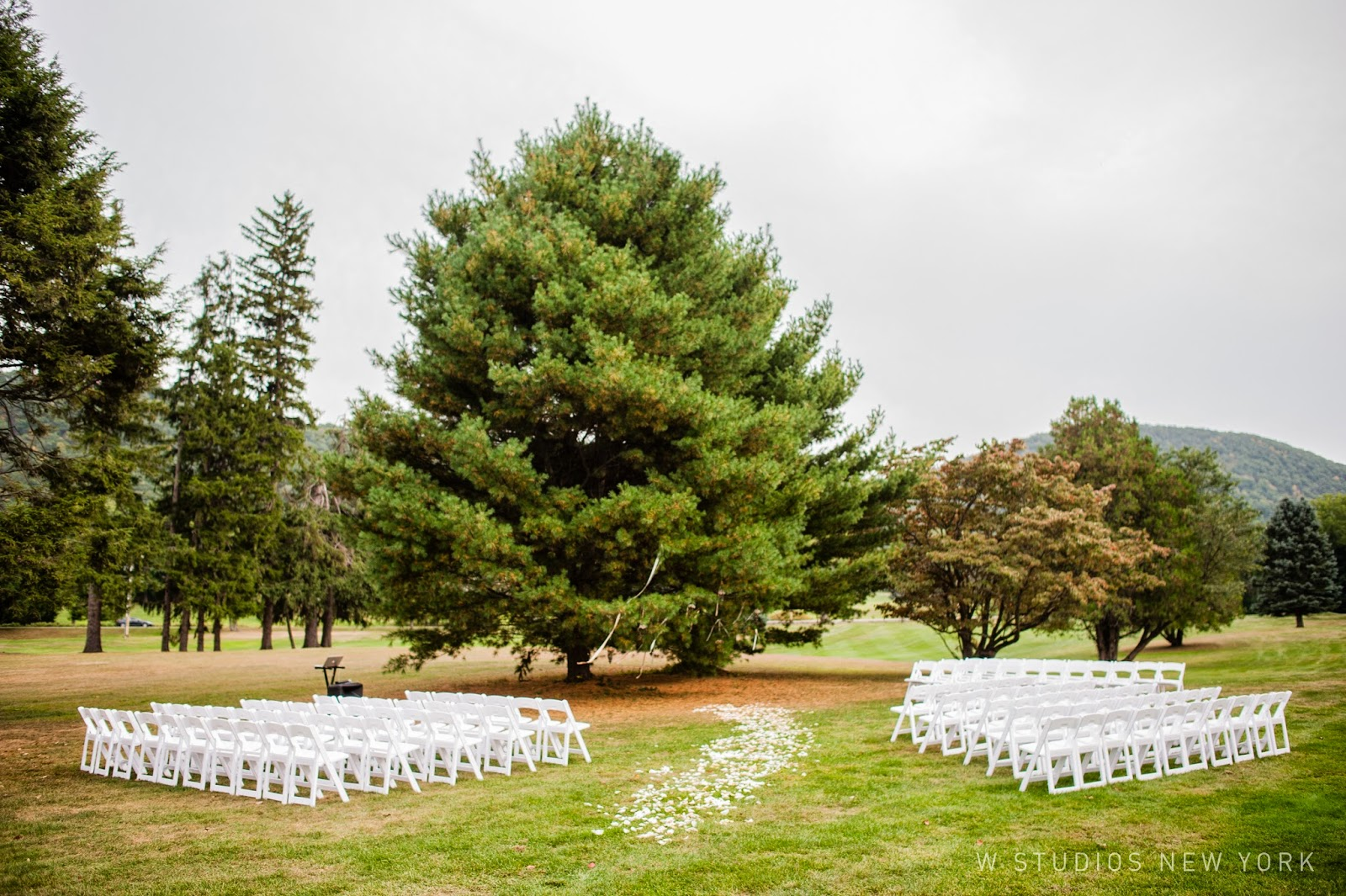 Highlands Club Wedding - Hudson Valley NY Weddings - Ceremony - Splendid Stems Floral Designs